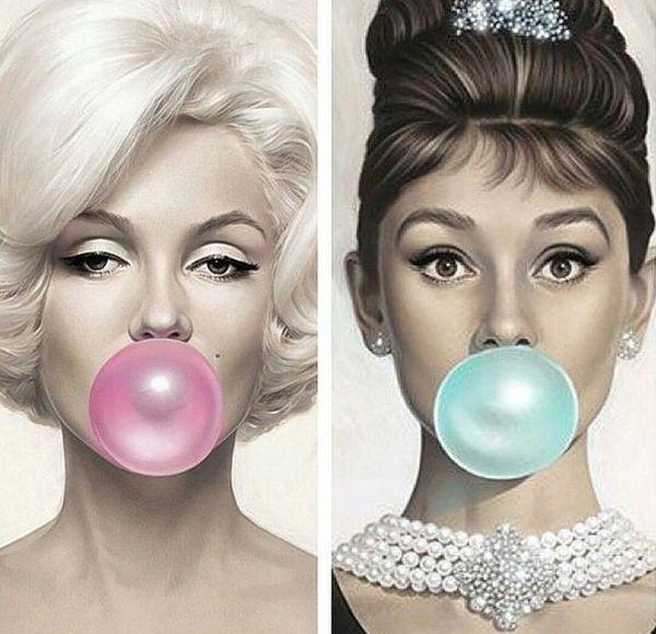 Audrey Hepburn & Marilyn Monroe Blowing Bubbles Art Silk Print Poster 24x36inch(60x90cm) 016