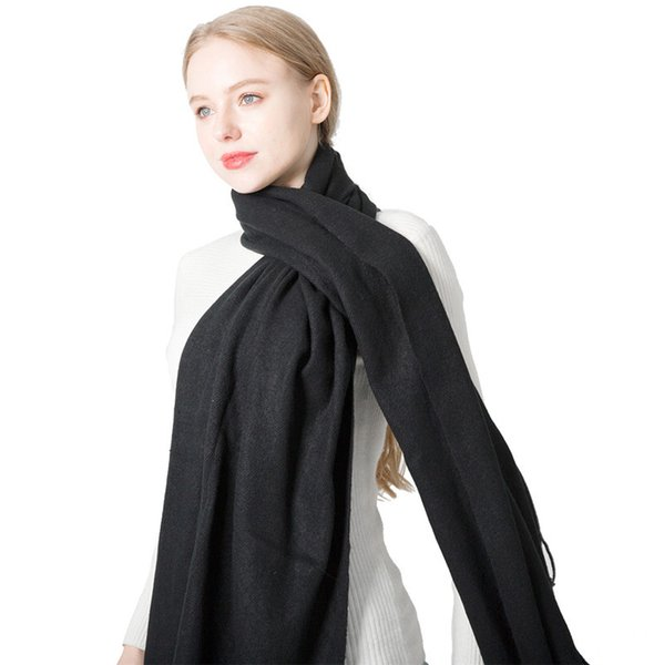 venta directa de fábrica en el otoño y el invierno de la cachemira bufandas Europa y América sólida bufanda de color blanco y negro Sra. hombres amantes al por mayor