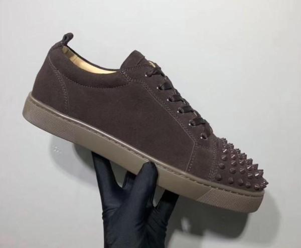 Baskets de créateurs Bas rouges Spikes Flat Velours Baskets en daim gris homme Baskets 100% cuir véritable Chaussures de soirée mn1896013