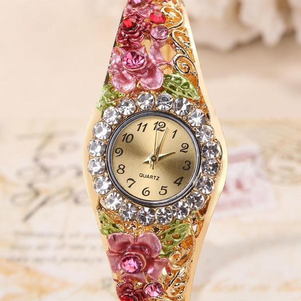 Feminino Relogio 2019 neue Ankunfts-Retro-Art Frauen-Uhr-Blumen-Luxussternenklares Armband passt Bayan Kol Saati Relogio auf