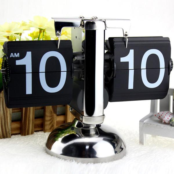 Reloj digital Decoración del hogar Reloj de mesa Escala pequeña Reloj de escritorio Retro Flip Over Acero Inoxidable Flip Engranaje interno Cuarzo