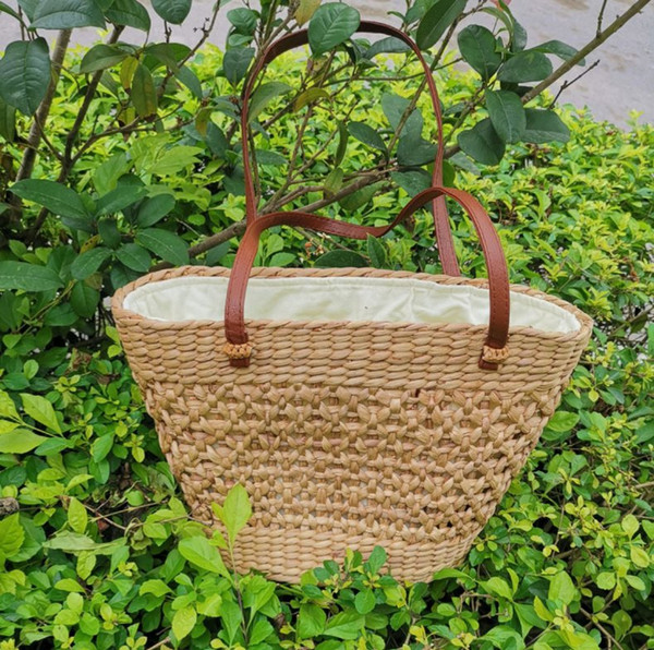 Hollow out fasion beach bags bamboo wooden summer woven shoulder handbag hand made knitting straw bag unique plain hard tote Vienam style OL