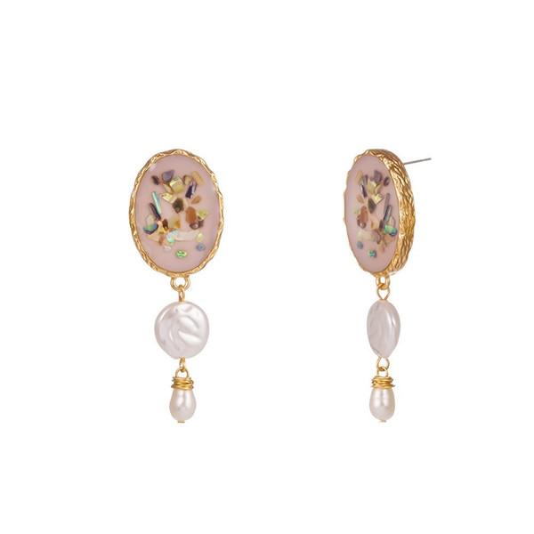 Creativo de piedra de la perla natural Pendientes Shell colorido del gancho del oído de la aleación barroco blanco de agua dulce de color rosa Madre goteo del aceite de la perla pendientes de las mujeres