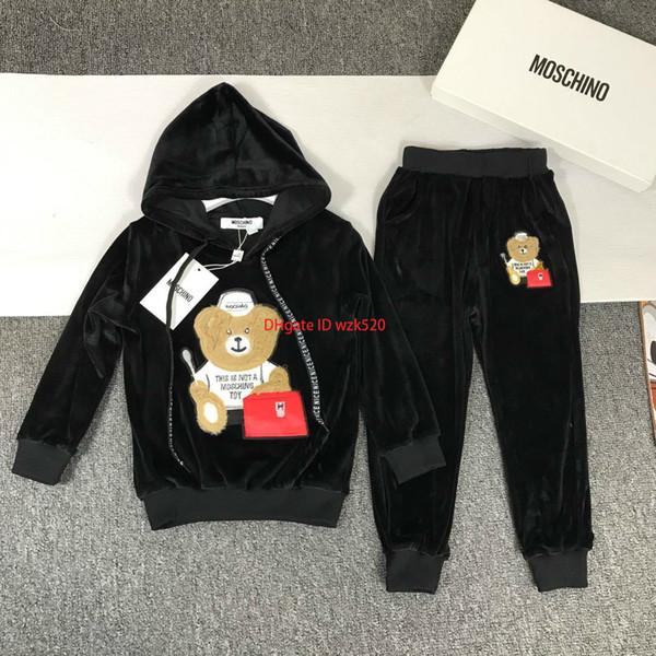 Çocuk hoodies setleri çocuklar tasarımcı giyim ayı desen kapüşonlu sweatshirt + pantolon 2 adet tek katmanlı kumaş kadife malzeme sonbahar setleri