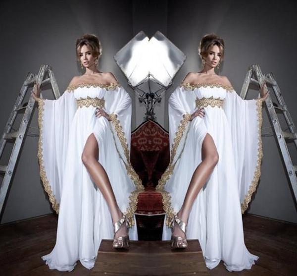 2020 Nuevo estilo árabe de Dubai fuera del hombro Vestidos de noche Apliques dorados Sexy Side Split Ocasión formal Vestidos de fiesta de graduación por encargo