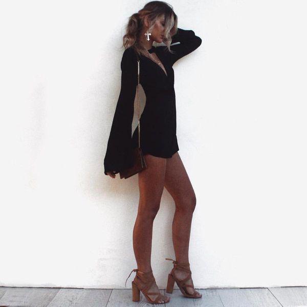 Herbst 2019 neue schwarze offene Aufflackernhülse V-Ausschnitt dünnes reizvolles Kleid 6919