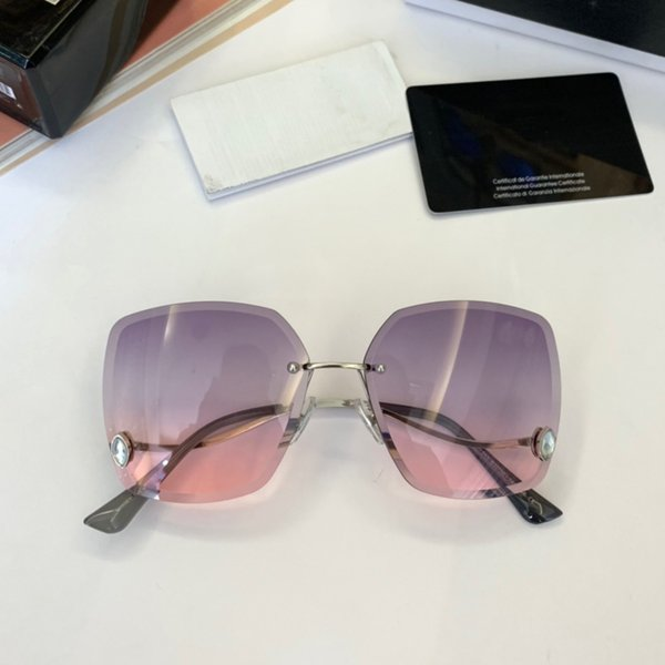 Wholesale-2019 New Arrival Fashion Ladies Sunglasses Outdoor Casual Sports Aviator Vintage Makeup Decorative Awesome Womens Glasses
