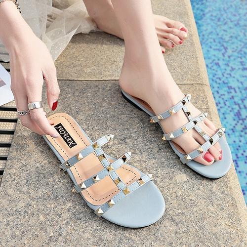 Il più nuovo designer scivola l'ultimo slip-on designer sandali infradito sandali caviglia superiore delle donne sexy casual Rivetti scarpe gladiatore