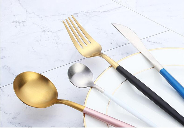 Juego de cubiertos de estilo occidental Cubiertos de acero inoxidable Juego de vajilla que incluye 1 cucharada de té + 1 Cuchara de cena + 1 Tenedor + 1 Cuchillo
