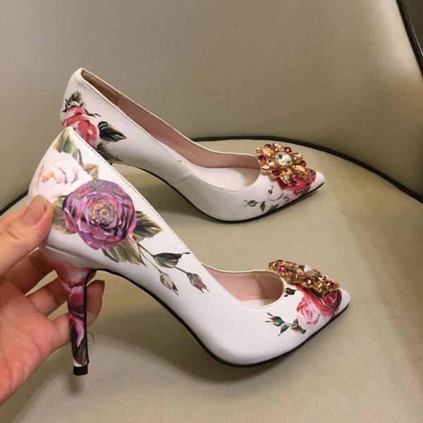 Цветочная вышивка женская обувь на каблуке 2019 летняя обувь женская сексуальная на высоких каблуках ну вечеринку туфли на высоком каблуке женщины полые сетки платье насосы