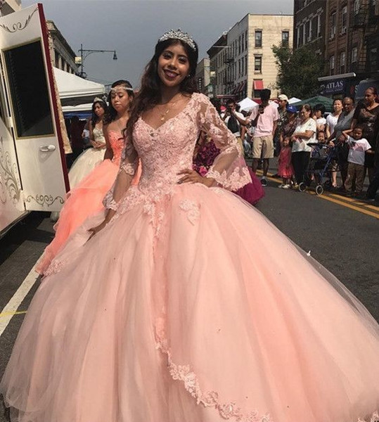 Designer de pêssego rosa quinceanera vestidos plus size brilhante vestido de baile mangas compridas rendas cinderela baile de formatura festa pageant barato sweet 15 dress