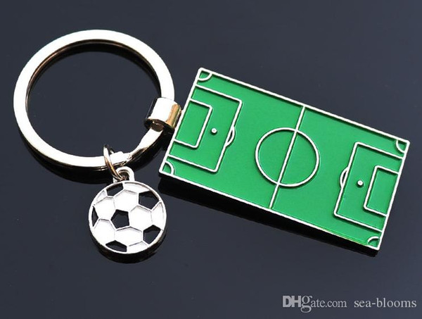 Cute Green Football Keychain Soccer Field Football Ball Metal Pendant Keychain Key Chains Ring Fans Souvenir Accessories Jewelry Gift G763R