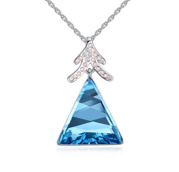 Made in China fashion jewelry Woman Originality Ornaments Using Swarovski Elemental Crystal Necklace Luxurious triangle Pendant