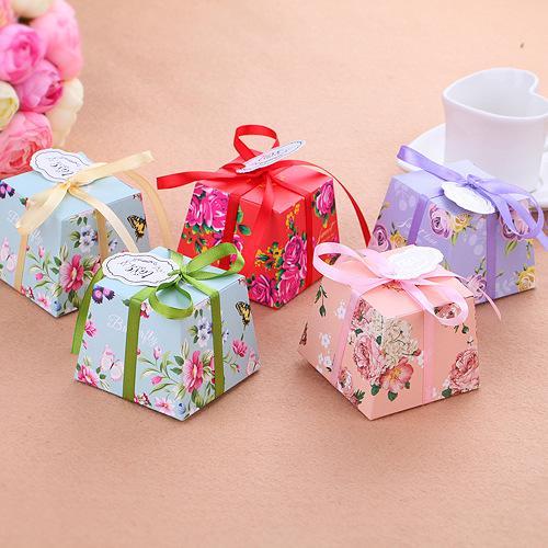 Trapezio verde / viola / blu / rosa fiori stampati floreali Bomboniere Bomboniere Scatole regalo per feste con nastri