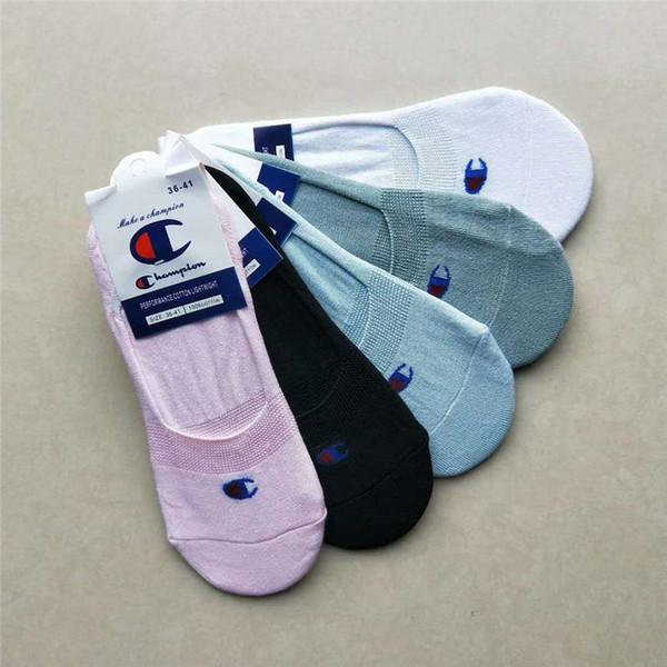2019 Yeni Marka Erkek Tasarımcı Çorap Şampiyonlar Unisex Ayak Bileği Çorap Lüks Yaz Terlik Futbol Tekne Çorap Kadın Kısa Çorap C7101