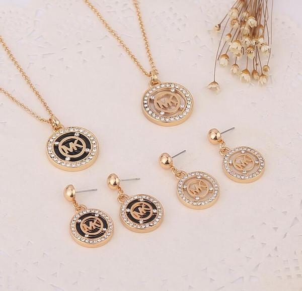 MK123456 Europa y las mujeres de moda collar colgante pendientes lleno taladro M letra octagonal ronda dos piezas diamante joyas de damas de honor