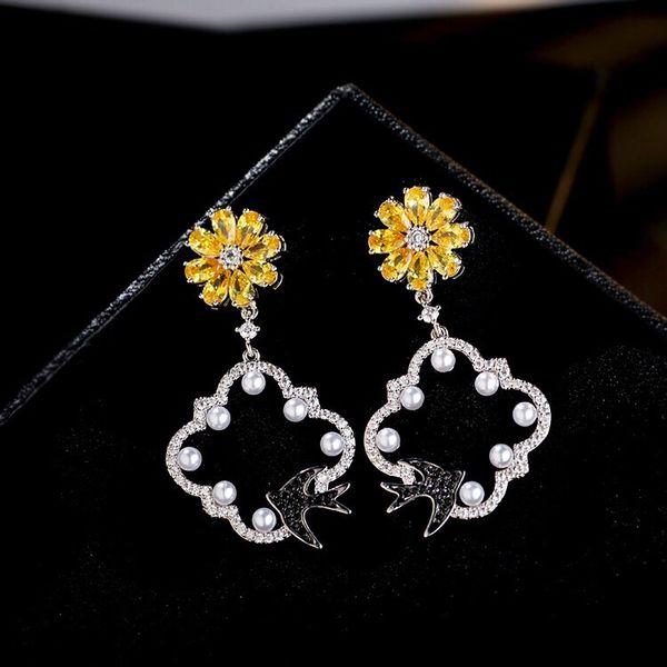 New Women Elegant Round Artificial Pearl Hook Pierced Dangle Earrings Fashion New Jewelry Watches 0084