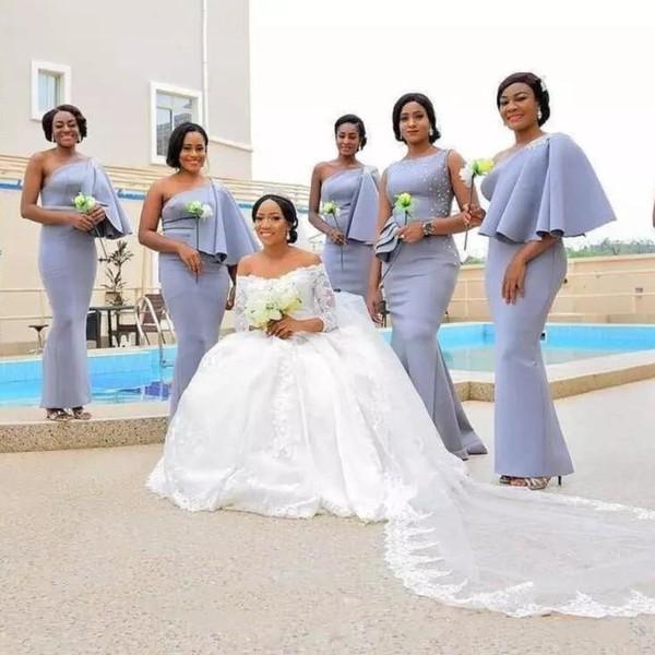 Une épaule sirène robes de demoiselle d'honneur Longueur Perles Perles sol Appliques Peplum African Garden Invité de mariage Robes demoiselle d'honneur robe