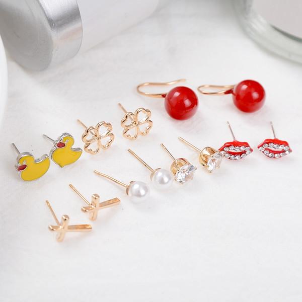 10 set / lote (70 pares) Pendientes de botón de pato Circón Perla Pendientes de botón Pendientes de cruz de cobre Rhinestone Forma de labios Joyería de moda para mujeres