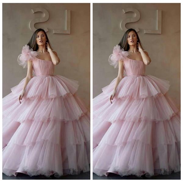 한 어깨 볼 가운 Tulle Tiered Quinceanera Dresses 2019 Cupcake 정장 긴 드레스 드레스 Sweet 16 Age Vestidos De Quinceanera
