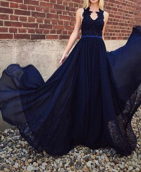 2019 New V-Neck A-Line Chiffon Prom Dresses Navy Blue Lace Appliques Formal Party Dresses Cheap Bridemaid Dresses Long Evening Gowns