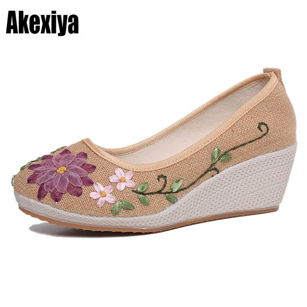 Designer Dress Shoes 2019 New style Wedges Casual Handmade Embroidered Women Linen Breathable Fabric Old Beijing cloth d248