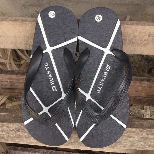 XWWDVV Flip-flops male summer beach shoes clip-on student anti-skid Korean version of cool slippers outdoor slippers male