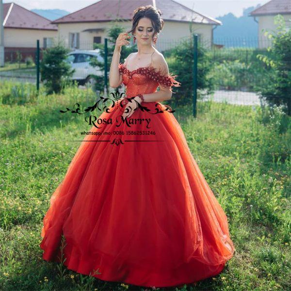 Red 3D floraux en cristal arabe Robes de bal 2020 Une ligne Encolure Plume Taille Plus Cheap Filles Formal Birthday Party Robes de soirée
