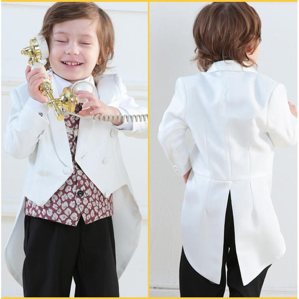 Farbe Weiß Kinder Fracke Vier Stücke Blume Jungen Anzüge Zwei Stücke (Blazer + Hose) Geburtstag Dinner-Party Kleidung Sets Für Kleine Jungen