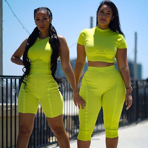 Color de neón para mujer conjunto de dos piezas sin mangas Crop Top Slim Shorts pitillo traje de chándal 2019 ropa de vacaciones de verano