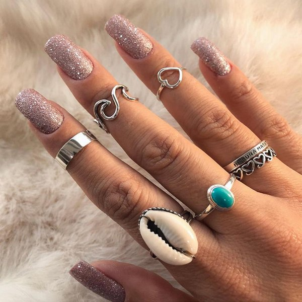 7 Pcs/set Bohemian Hollow Heart Love Wave Shell Letter Gem Silver Ring Set For Women Charm Fashion Beach Party Clothing Jewelry
