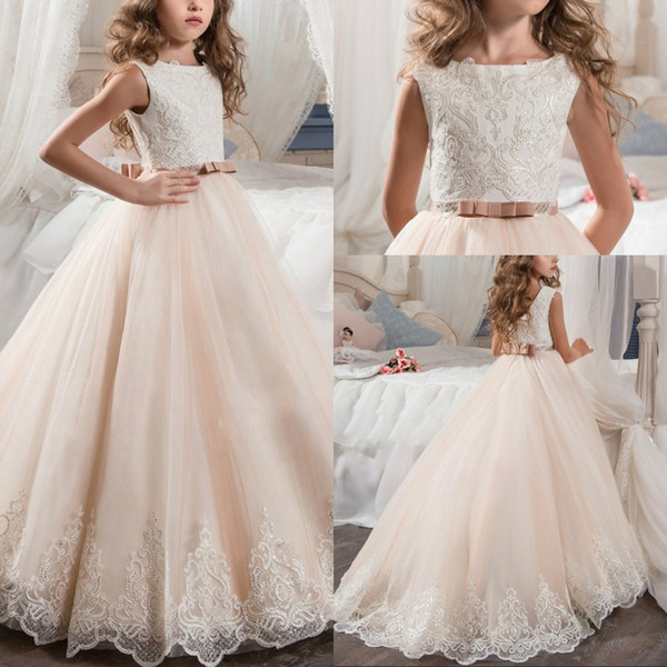 Wunderschöne Juwel Hals ärmellose Spitze Applikationen Blumenmädchenkleider für Hochzeit Pailletten eine Linie erste Kommunion Kleid mit Schärpe