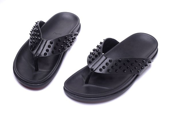 2019Newly Designed Red Bottom Shoes Fashion Slippers With Spikes High Quality Genuine Leather Flip Flops For Mens