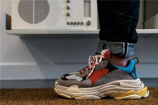 2019 Multi Luxury Triple S Дизайнер Низкое Новое Прибытие Тапки Комбинации Подошвы Сапоги Мужские Женщины Бегун Обувь Высочайшее Качество Спортивная Повседневная Обувь