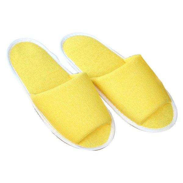 Hembra De Color Amarillo