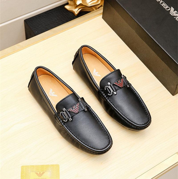 Cheap Luxurious Men's Designers Gommino Man Fashion Casual Shoes Embroide Embroidery bees Charm wedding dress prom Footwear Size 38-44