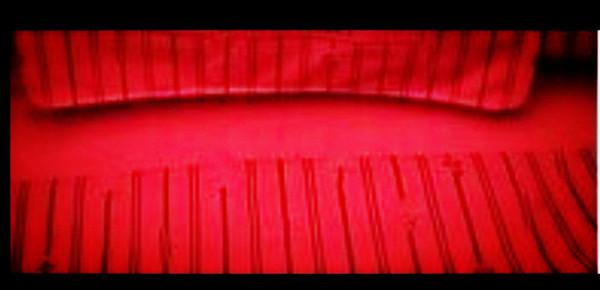 Kahverengi ızgara / ekose kırmızı