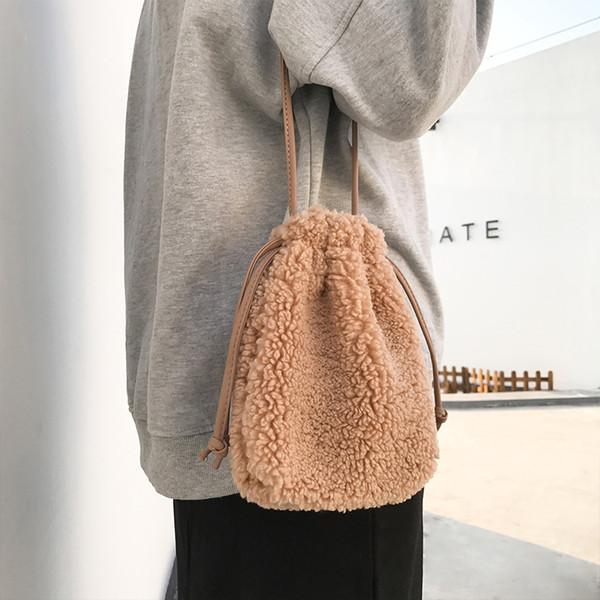 Bulaun корейский Lamb волос Креста тела Drawstring сумки Зимняя мода Женский мини-сумки на ремне сумки сотовый телефон сумка