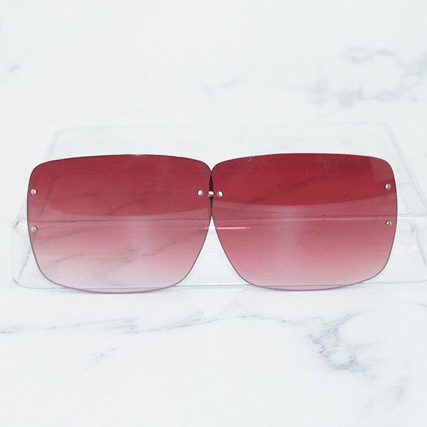Lentille carrée rouge