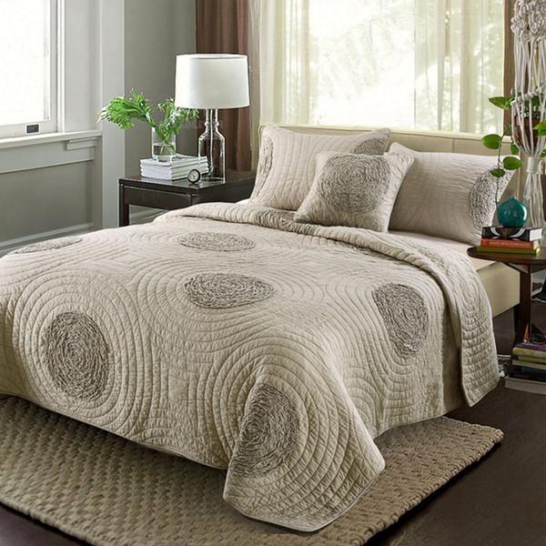 Europa Bestickt Quilt Set 3 STÜCKE Feste Bettwäsche Baumwolle Quilts Gesteppte Tagesdecke für Bettbezüge Tagesdecke King Size Bettdecke Set