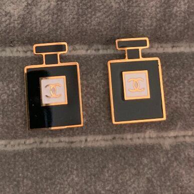 Brands New Style Designer Earrings Fashion Women Real Photos Earring Luxury Fashion Design Earrings Stud Jewelry Wholesale Price