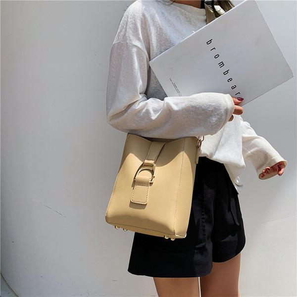 2019 new Korean style simple bucket bag fashion belt broadband shoulder Messenger bag