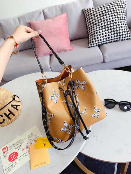 Qualité haut de gamme Nouveau Arrivée classique Mode Hommes Messenger Sacs Cross Body école Bookbag épaule Sacs à main femmes