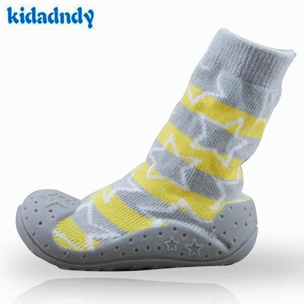 Newborn Anti Slip calze bambino con gomma suole per i bambini del bambino Primi pattini dei camminatori del cotone della ragazza del neonato Socks