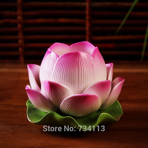 Lampe Lotus Pour Bouddha En Céramique Lotus Sculpture Bougeoir Décoratif Porcelaine Art Et Artisanat De Vaisselle Porcelaine Chanceux Ornement 1pcs Y19061901