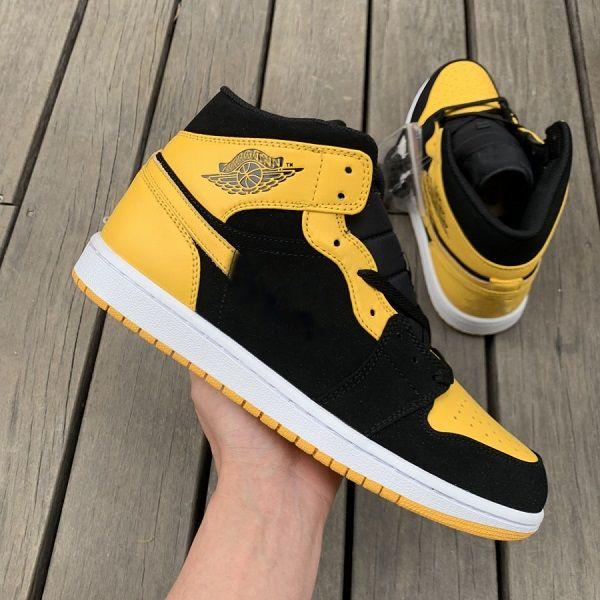 Ayakkabı 048
