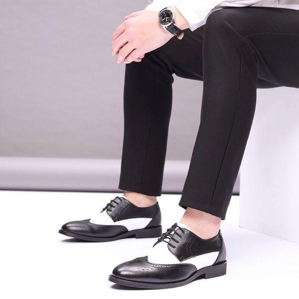 Vente chaude-Brogues Sculpté Hommes Formelle Chaussures En Cuir Véritable Chaussures Habillées Hommes 2019 Tendances Homecoming Gentleman Mariage Marron Oxford