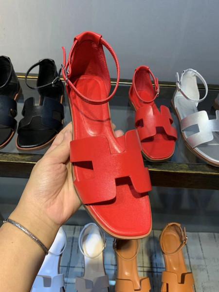 Sandálias planas Mulheres Sandálias de Couro Genuíno Tornozelo Fivela Sandálias Das Mulheres Designer Sandálias Oran Vermelho Aberto Toe Sapatos Ao Ar Livre