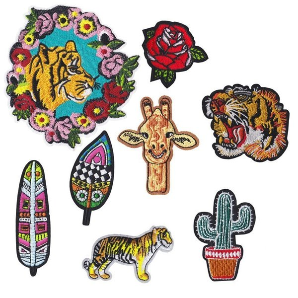 1PCS Animal Cartoon Wreath tiger giraffe Creative silhouette feather Desert cactus Patches wholesale badges Clothing accessories