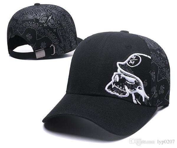 Роскошные бейсбольные кепки gorras для бейсбольных кепок Кожаные кепки для мужчин и женщин с застежкой в виде шляпы с регулируемой посадкой Регулируемые клюшки для гольфа 18fw Бейсболки со встроенными шляпами 002